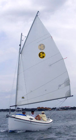 Com-Pac Sunday Cat from Com-Pac Yachts